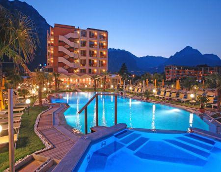 Hotel Savoy Palace Riva Del Garda Tn Italien