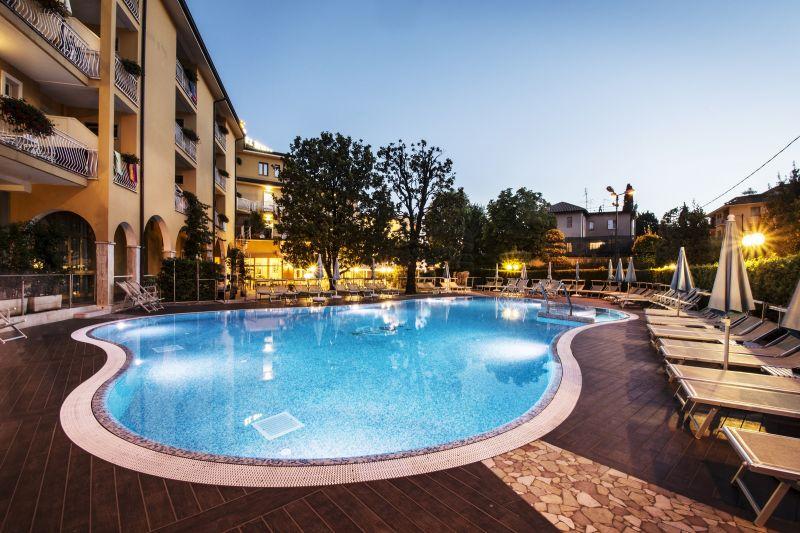 Hotel *** Bisesti Garda